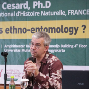 Dosen Tamu Perancis Beri Wawasan Kepada Mahasiswa Agroteknologi Tentang Ethno-Entomology